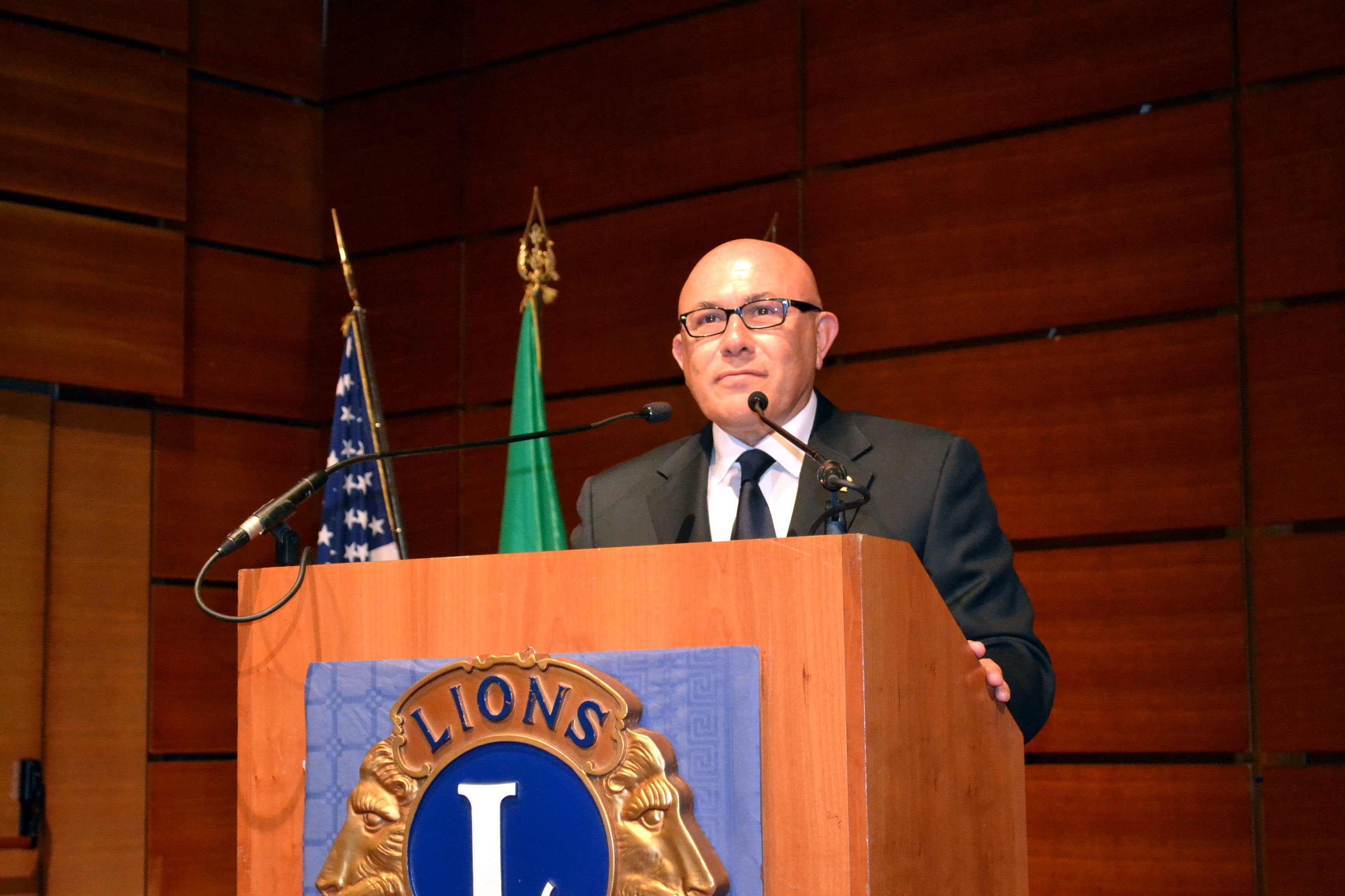 Il discorso del nostro Gino Tarricone, 1° vice governatore, al congresso di chiusura del distretto 108Ia1